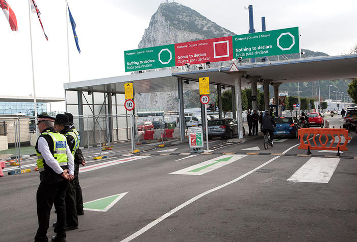 Customs at the border between Spain and Gibraltar, British overseas territory in southern Europe.