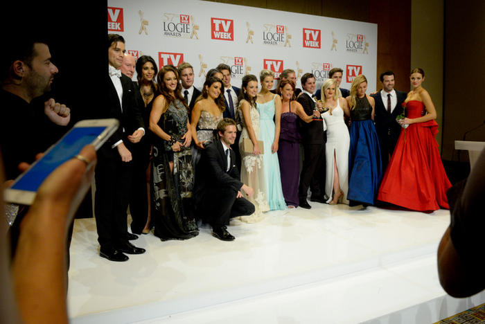 home and away logies cast