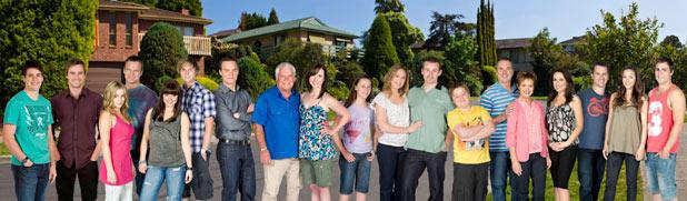 Neighbours 2011 cast