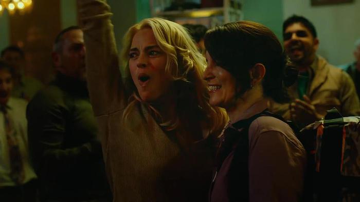 Margot Robbie and Tina Fey