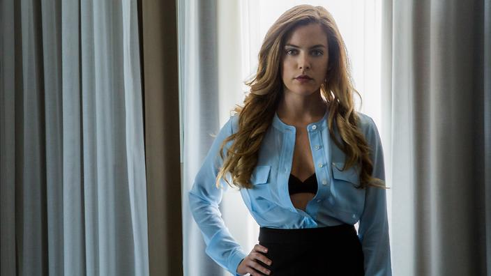 pictures of riley keough