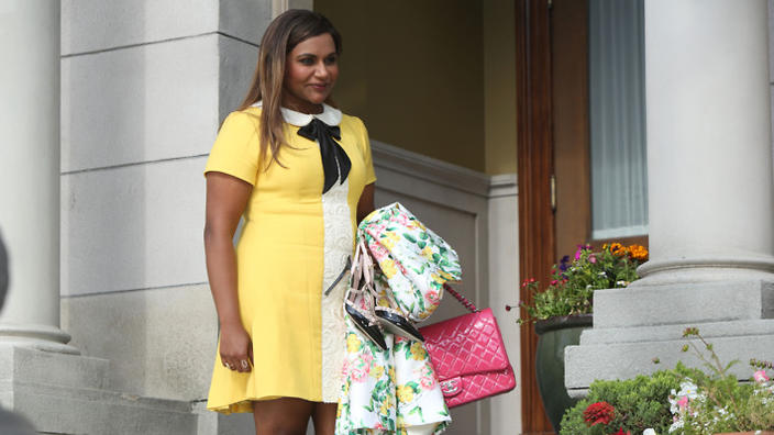 The Signature Looks Of The Mindy Project S Mindy Lahiri Guide