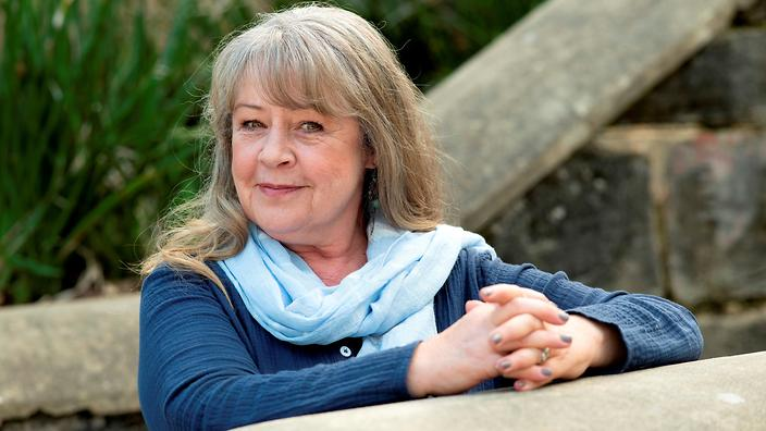 Noni Hazlehurst better homes and gardens