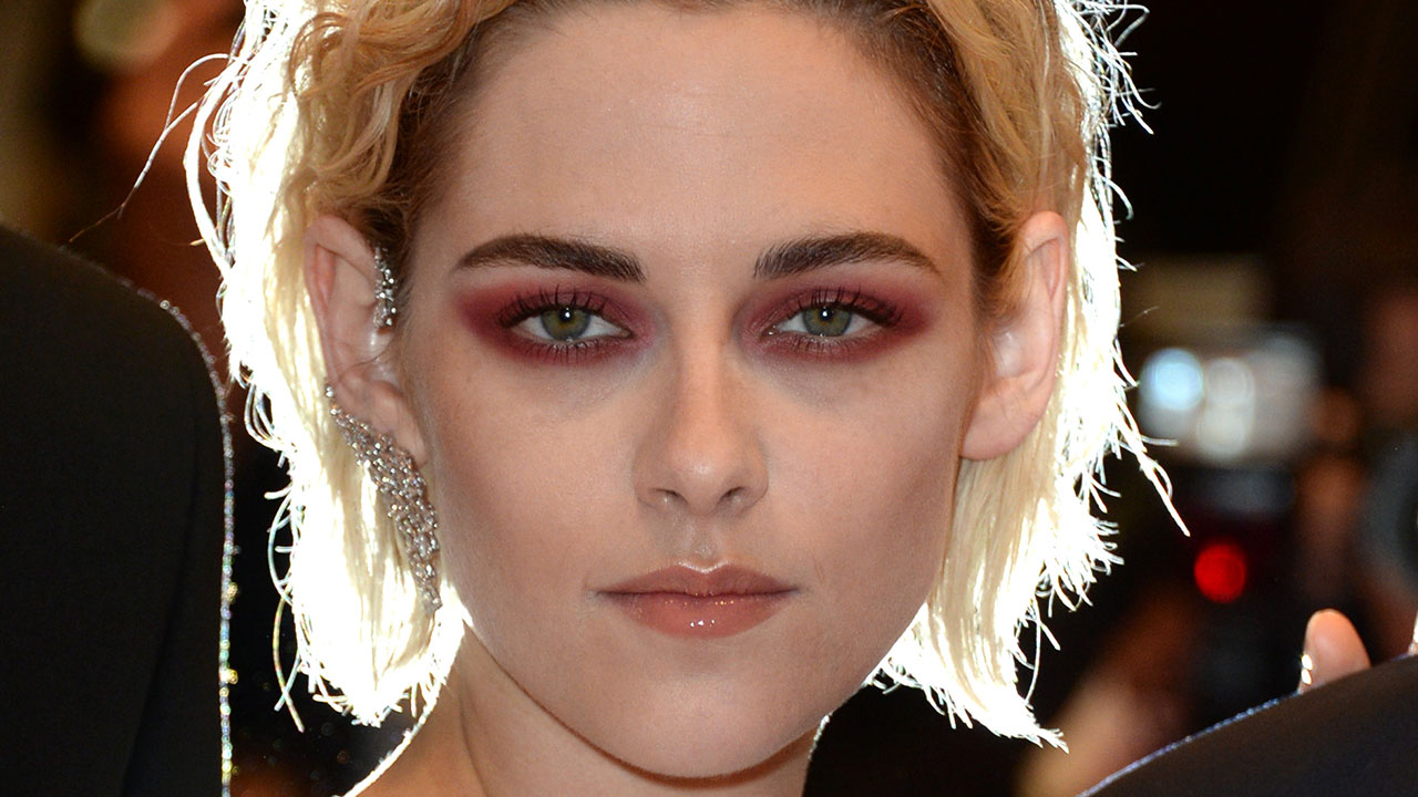 kristen stewart talks fashion, fears, text etiquette - and 'personal