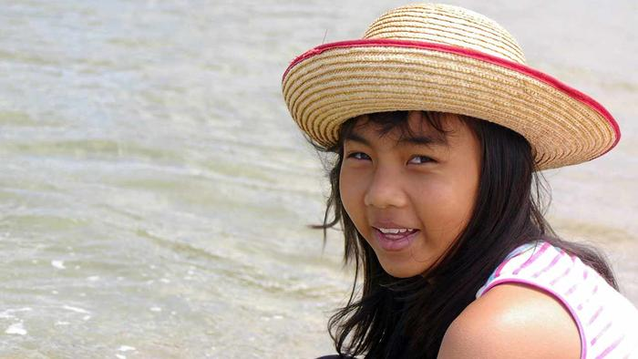Thrteen-year-old Bung, her real name was Siriyakorn, wasn't exactly streetwise but knew to be wary of strangers.