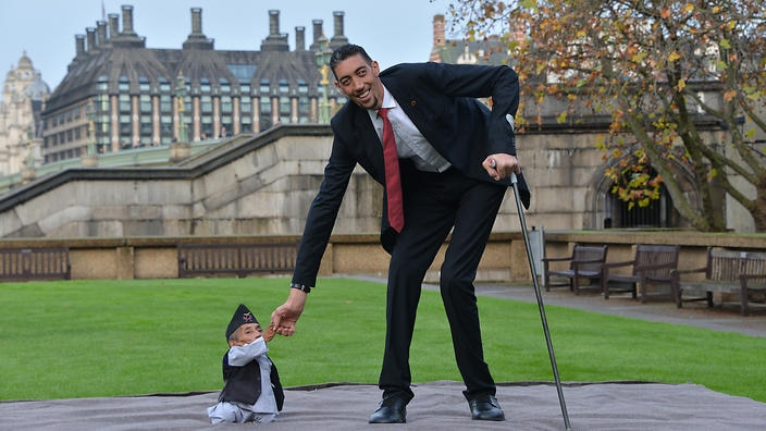 Tallest Person In The World 2014 World's short...