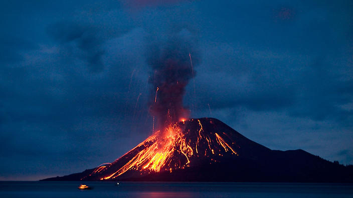 """The volcano known as the """"Krakatau's Child"""" unleashes an eruption in November 2007."""