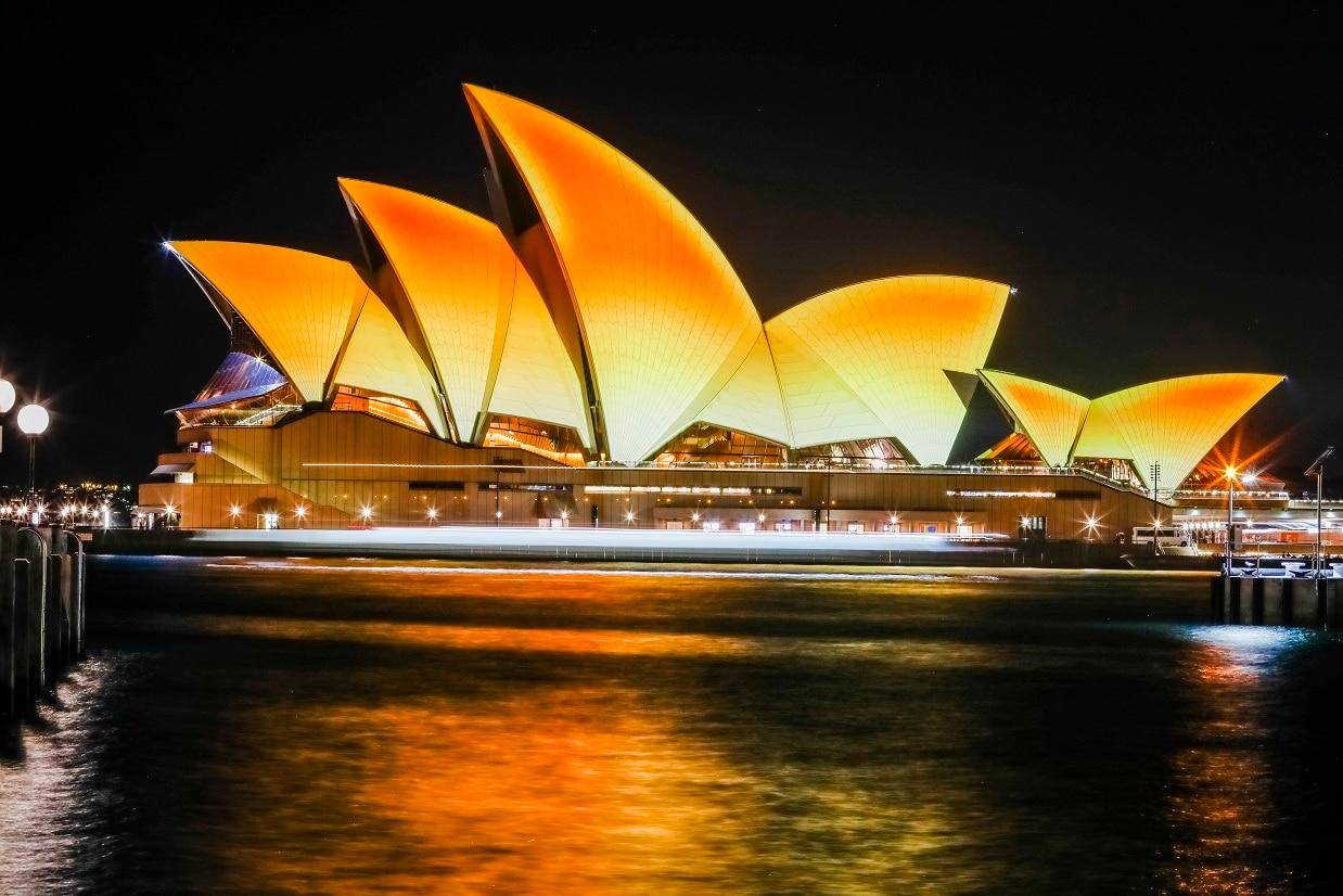 sydney opera house u0027s iconic sails turn gold to celebrate diwali