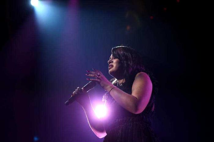 Thelma Plum performs at the ARIA Music Awards.