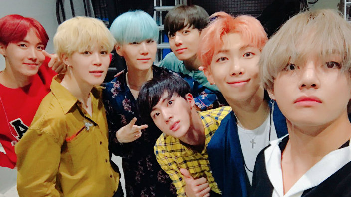 Bts make history on the billboard 200 album chart sbs popasia bts make history on the billboard 200 album chart bts newly released album love yourself her has been nothing short of a massive success ever since it solutioingenieria Gallery