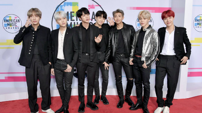 Bts At Amas Red Carpet >> BTS have a message for y'all from the 2017 AMAs red carpet!   SBS PopAsia