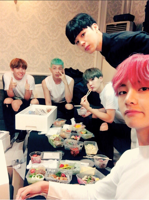 BTS ARMY puts up a strong defense following Twitter attack | SBS ...
