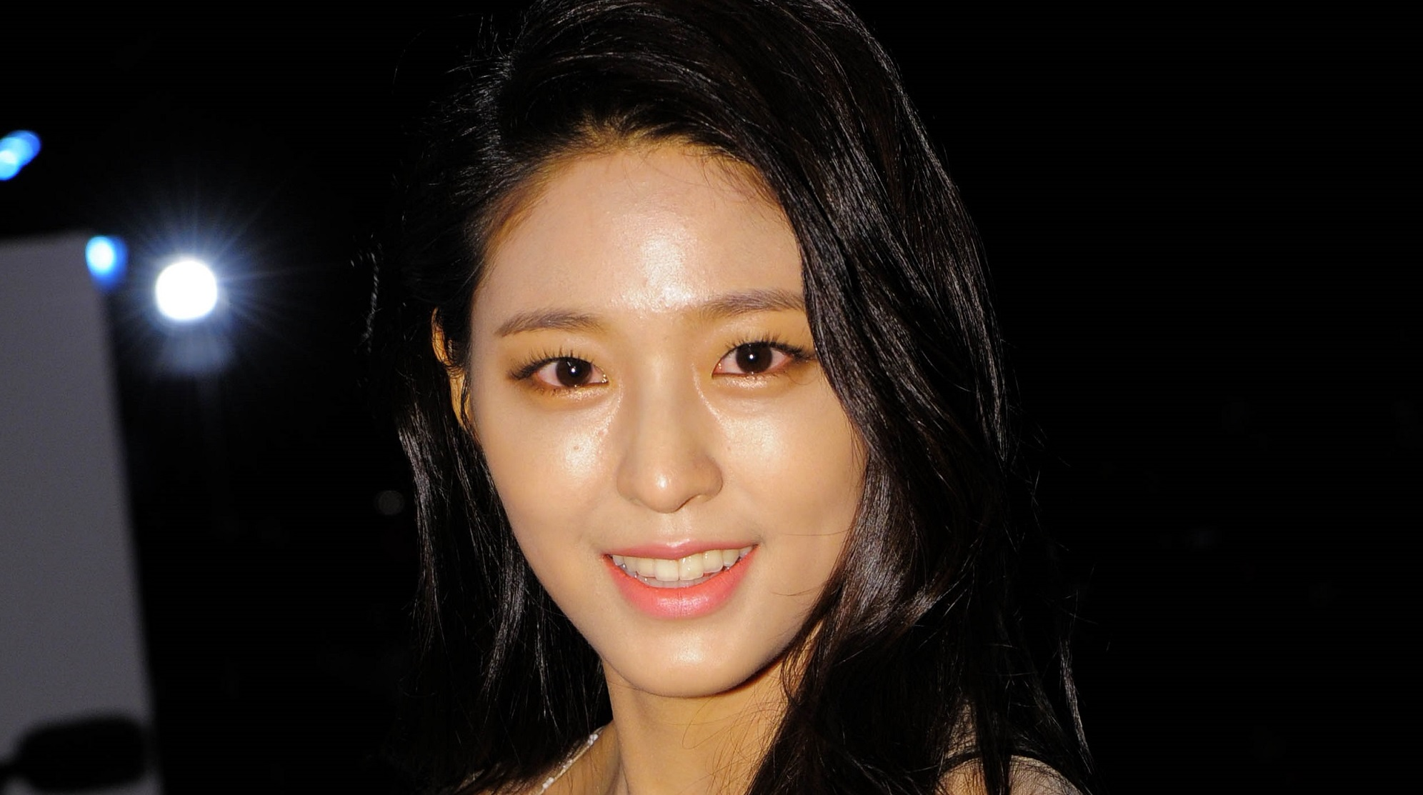 Aoa S Seolhyun Speaks Out About Her Pale Makeup