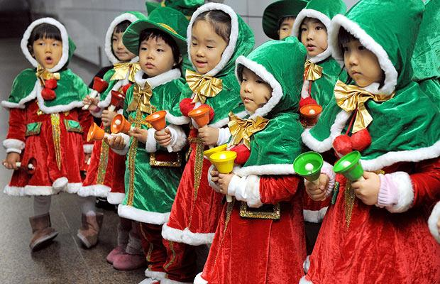 How do different Asian countries celebrate Christmas ...