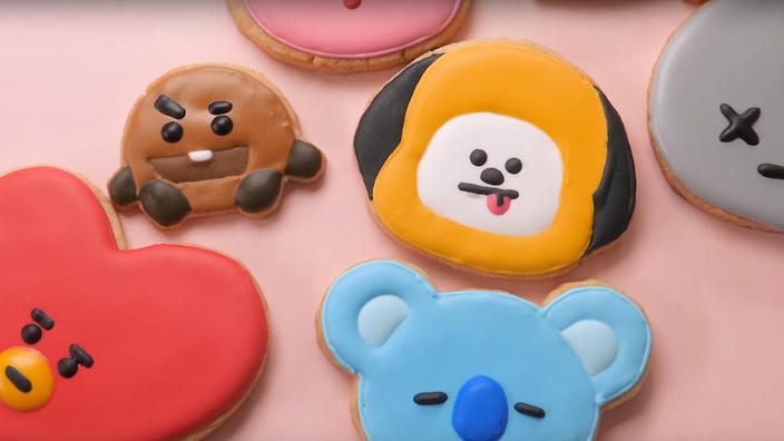 Bake BTS cookies and ice EXO cakes with these recipes