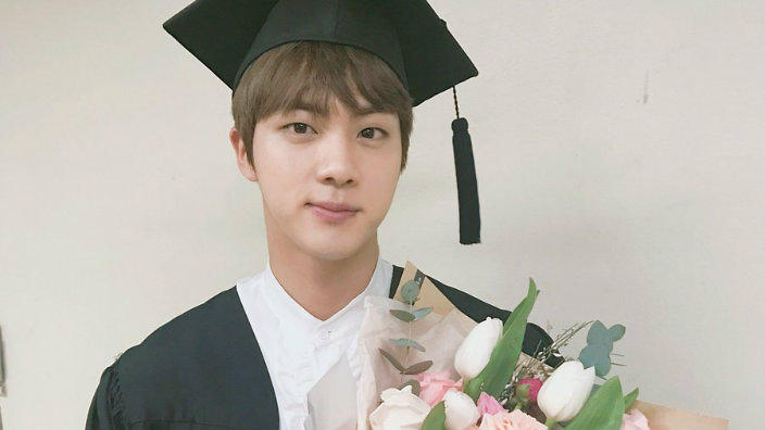 Bts Celebrate Jin S University Graduation Sbs Popasia
