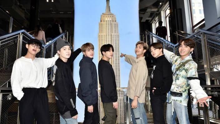 Nyc S Empire State Building Lights Up Purple For Bts Sbs