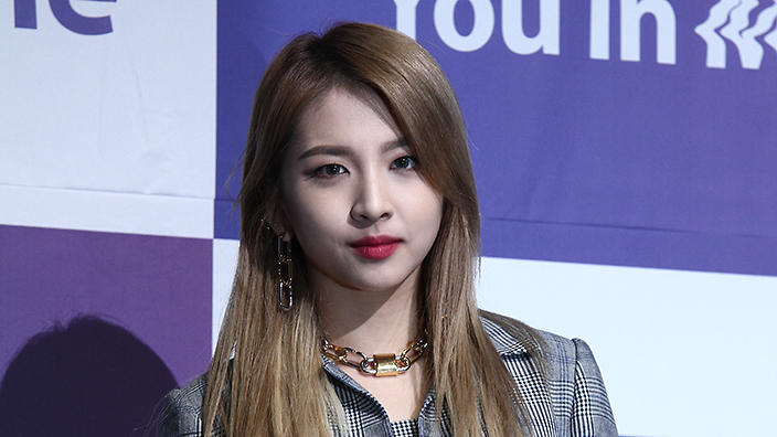 KARD's Jiwoo says watching thriller movies helped to act as