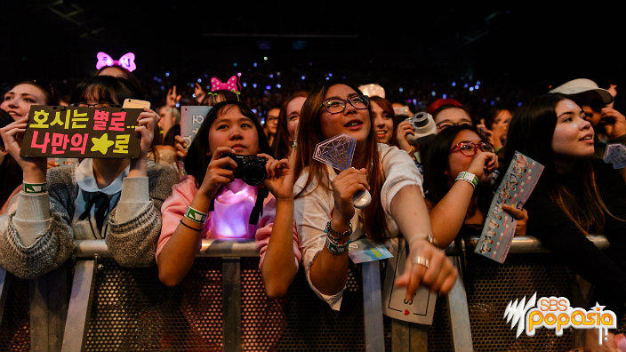 6 things that K-pop fans do that you won't find in other