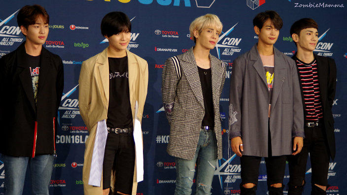 SHINee held their awesome star-studded 'SHINee World V