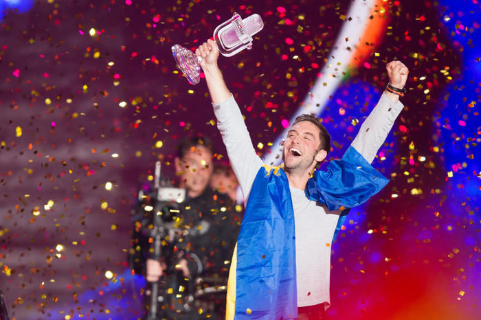 Måns Zelmerlöw of Sweden wins the 2015 Eurovision song contest