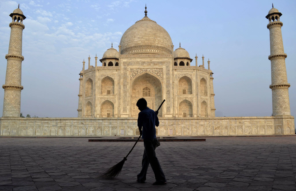 Taj Mahal S Staining Blamed Partly On Burning Of Household