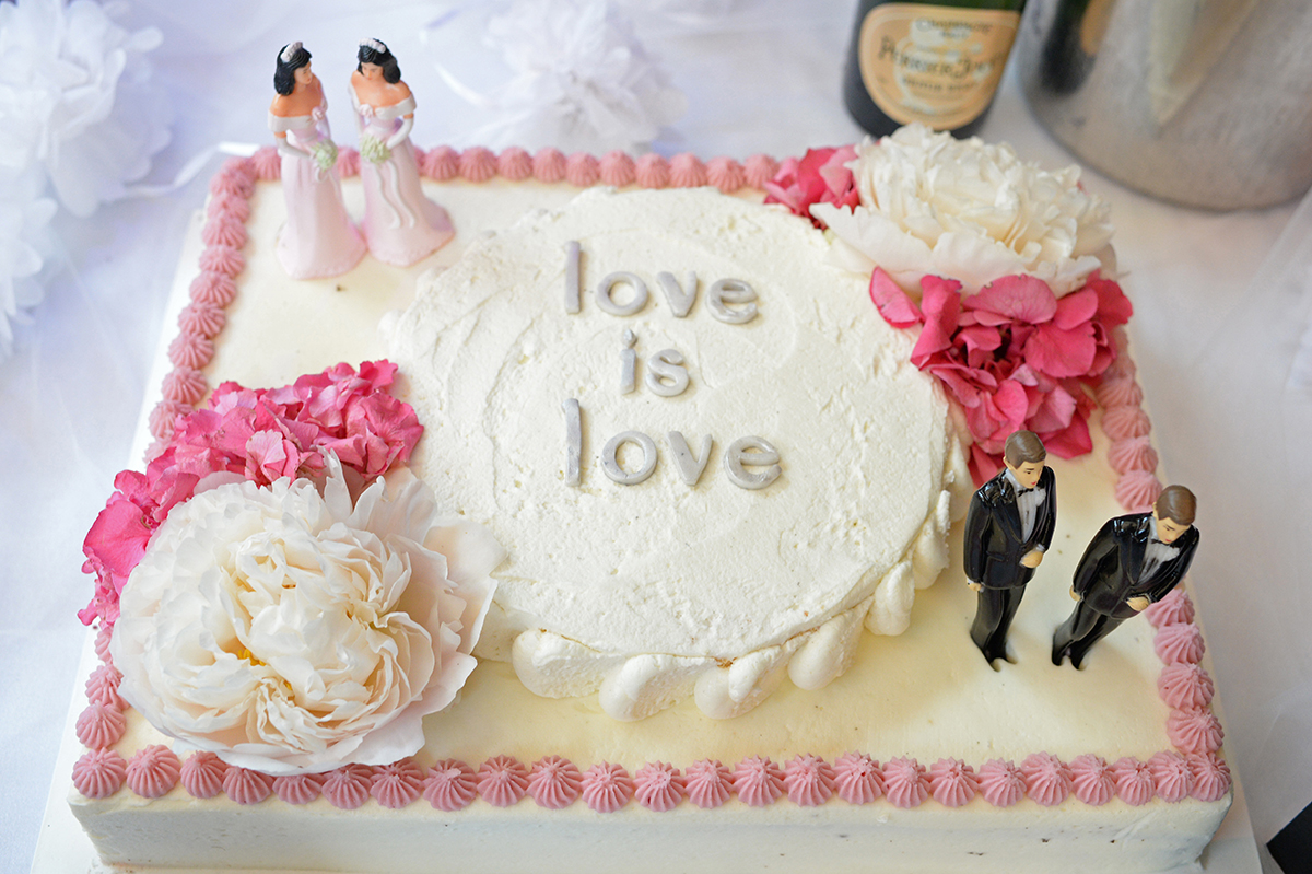 bakery wedding cake supreme court the colorado bakery that refused to make wedding cakes 11033
