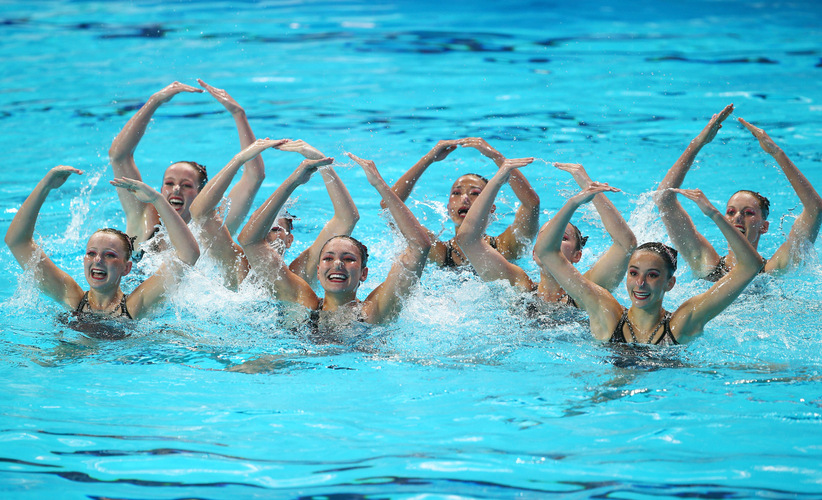 Synch Or Swim What It Takes To Be A Synchronised Swimmer