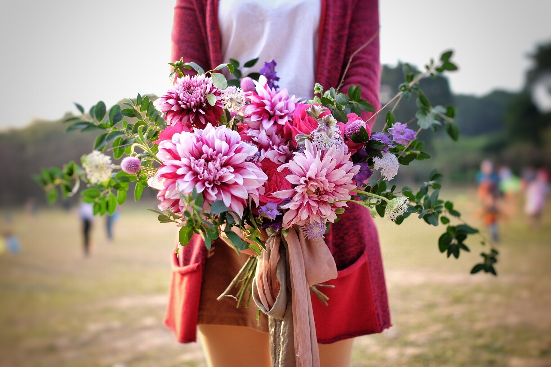 How to buy sustainable flowers this valentines day sbs life how to buy sustainable flowers this valentines day our pursuit of goodwill and affection towards humanity through the giving of cut flowers is hurting the izmirmasajfo