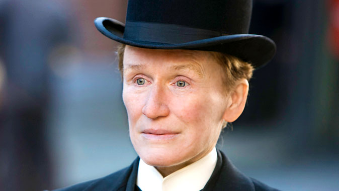 Glenn Close: Glenn Close Says Directors Should Go 'out Of Their Way' To