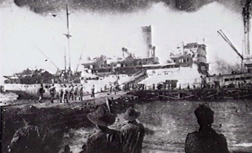 The evacuation of Australian soldiers from Crete (AWM).