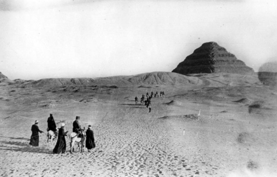Soldiers approach the Step Pyramid of King Djoser, a popular site for Australians stationed in Egypt in WWI (AWM)