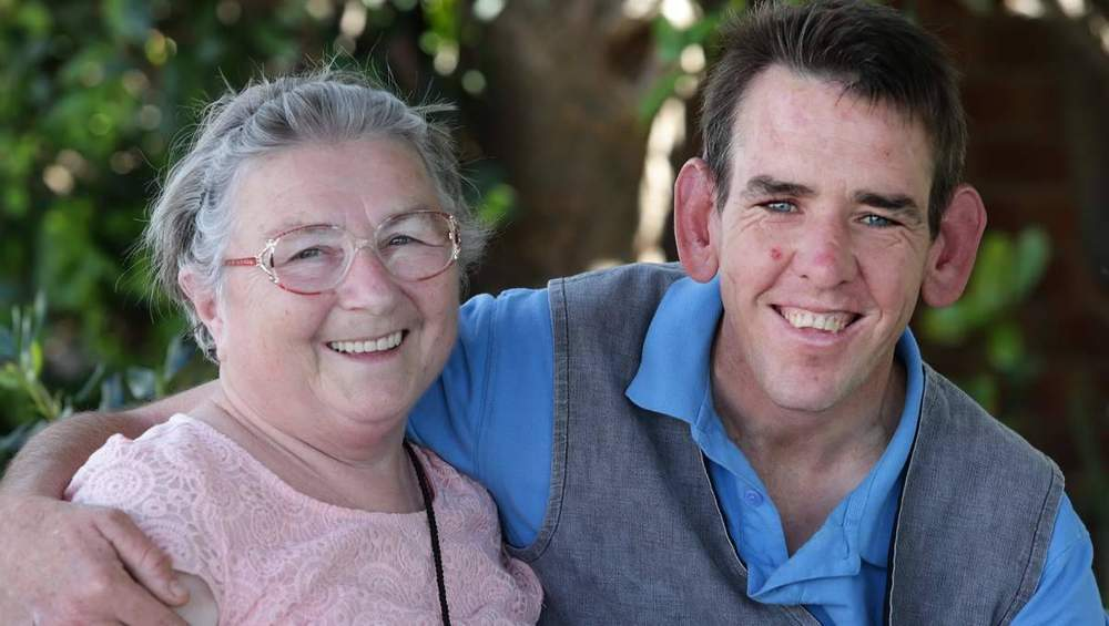Wendy Cuneo and son David (Photo: Ryan Osland)