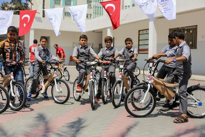 1,000 bicycles for Gazan children were included in a delivery of Turkish goods to Gaza City ahead of Eid al Adha.