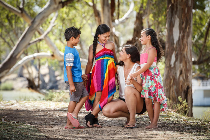 33-year-old Shantelle Thompson with her 10-year-old son Nacinta and twin daughters Jaida and Soane. (ONE idea Mildura)