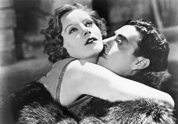 Greta Garbo and John Gilbert in 'Flesh and the Devil'.