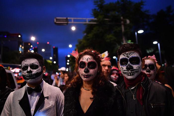 People dressed as Catrina