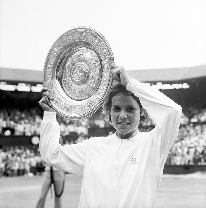 Tennis - Wimbledon Championships - Ladies' Singles - Final - Evonne Goolagong v Margaret Court