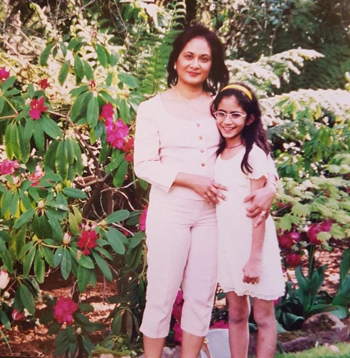 Haneen Mahmood Martin with her mother