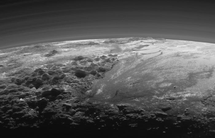 pluto surface shot and horizon