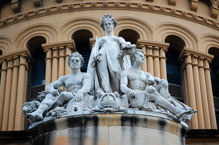 A statue of Queen Victoria in Sydney's CBD highlights that when we do commemorate female figures, they're usually queens or goddesses.