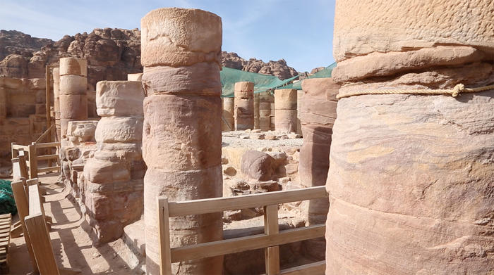 The main chamber of the Temple of Winged Lions in Petra (Dieter Knierim