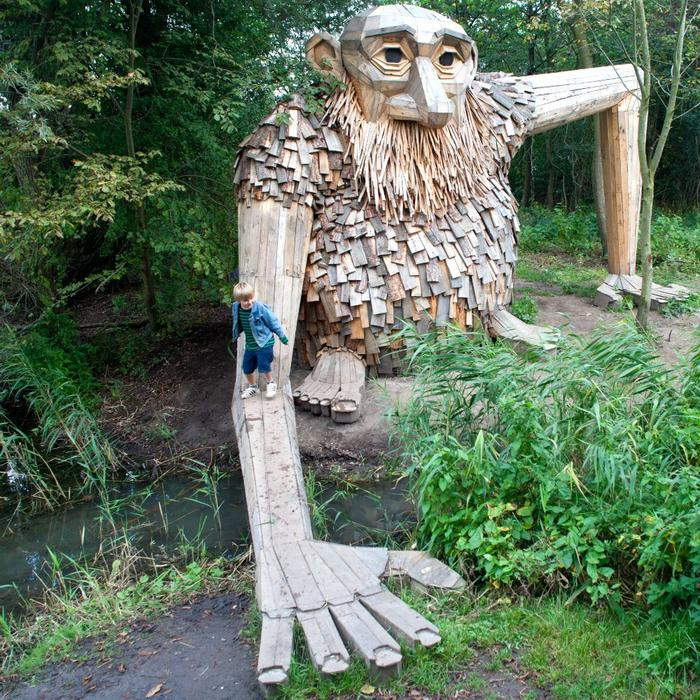 Teddy Friendly, one of the Six Forgotten Giants by Thomas Dambo.