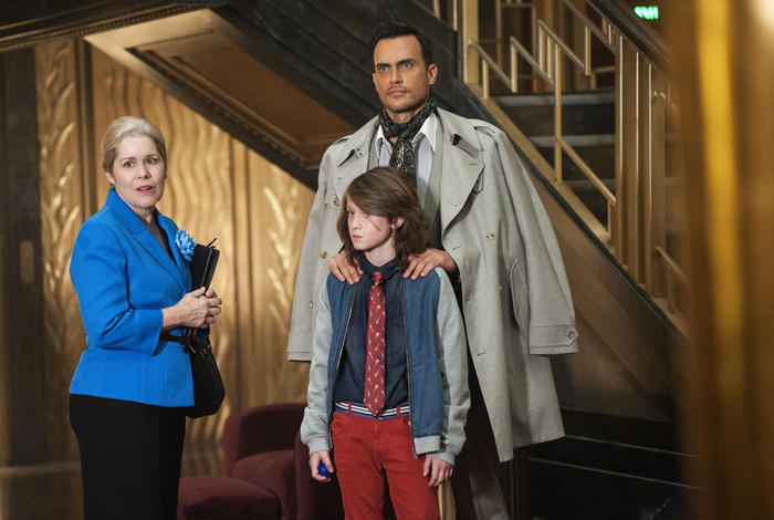 """AMERICAN HORROR STORY -- """"Checking In"""" Episode 501 (Airs Wednesday, October 7, 10:00 pm/ep) Pictured: (clockwise from left) Christine Estabrook as Marcy, Cheyenne Jackson as Will Drake, Lyric Lennon as Lachlan Drake. CR: Suzanne Tenner/FX"""