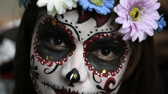 Witness Mexicos Catrinas Celebrate The Iconic Day Of The Dead