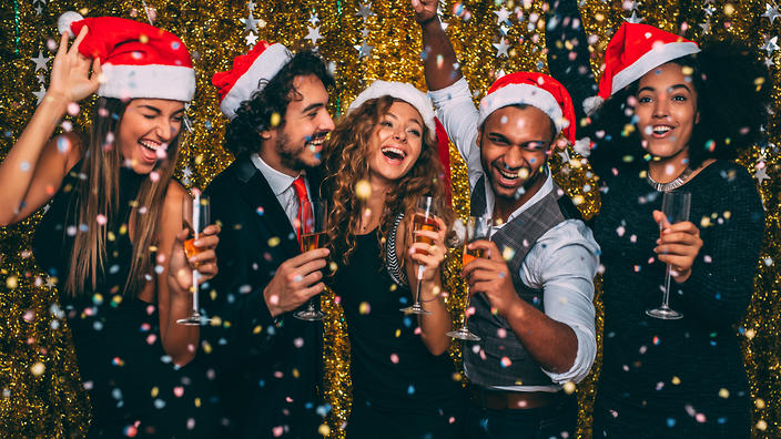 5 Reasons to Choose a Boat Cruise for your Christmas Party