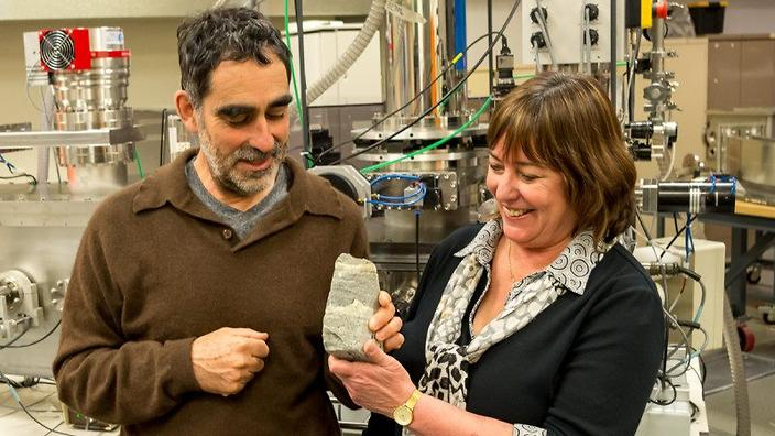 Allen Nutman and Vickie Bennet with their 3.7 billion year-old find