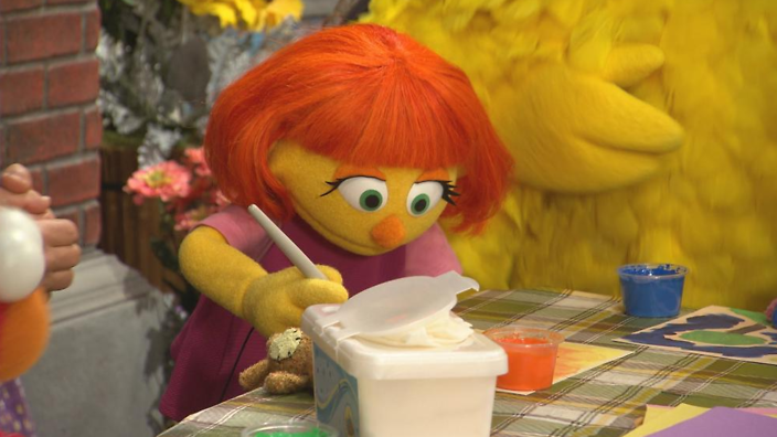 What Muppet With Autism Means To My >> Sesame Street Introduces New Character Julia The First Muppet With