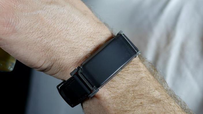wristband detects blood alcohol level bac