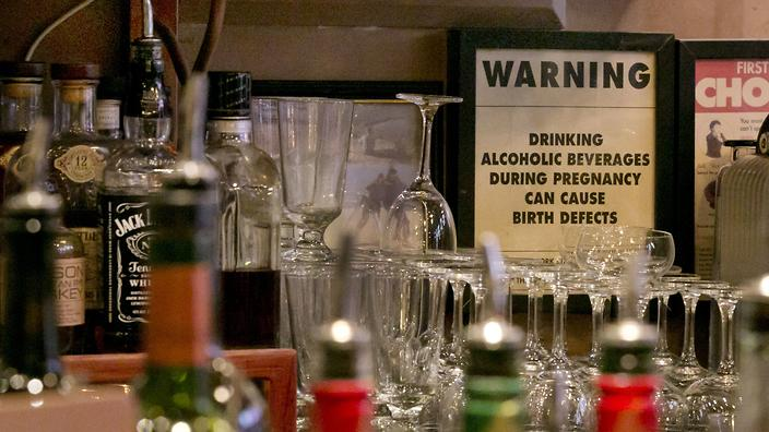 pregnancy alcohol warning sign in new york bars